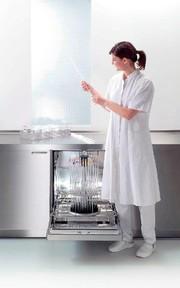 Reinigungs- und Desinfektionsautomat G 7893: Kompaktlösung