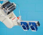 Lasersinter-Anlagen, Roboterhände: Eine polymere Alternative