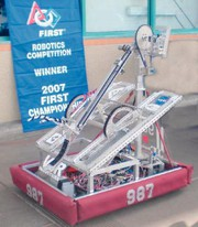 Nachrichten: Mit Robotern lernen