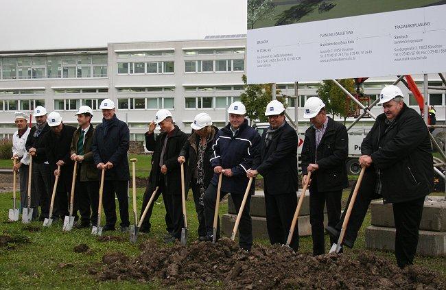 R. STAHL investiert in die Zukunft: Spatenstich für neues Entwicklungszentrum