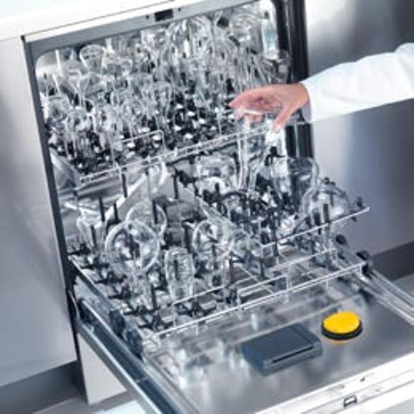 Das neue Injektorsystem EasyLoad von Miele für die schnelle, leichte und sichere Aufbereitung von Laborglas. (Bild: Miele)