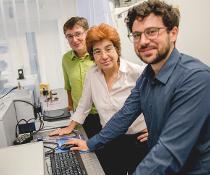Bochumer Forscherteam: Gerhard Schwaab, Martina Havenith und Federico Sebastiani