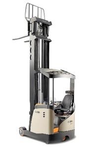 Schubmaststapler Serie ESR 5000: Ergonomische  Details verbessert