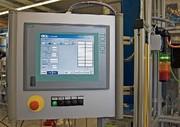 Panel-PC: Schraubautomation mit Rundum-Sicht