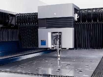 Laser-Flachbrett-Maschine: Schlichte Eleganz