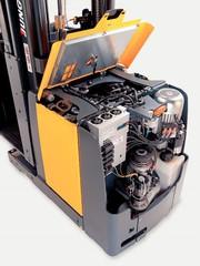 Vertikalkommissionierer EKS 210/312: Mehr Flexibilität und Produktivität