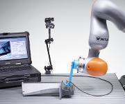 AR-System zur manuellen oder roboterunterstützten Prüfung von Bauteilen oder großen Oberflächen. (© Foto Fraunhofer IZFP)