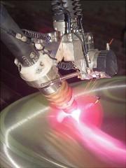Roboter-Plasmaschneidanlage: Drastisch reduzieren