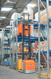 Vertikalkommissionierer: Intelligente Regelung