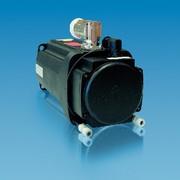 Servomotoren mit Wasserkühlung: Mit Wasserkühlung
