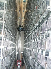 Vollautomatisches Behälterlagersystem: Logistisch durchdacht