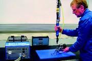 Elektroschrauber mit Schraubenzuführung: Momente  und Winkel  im Griff