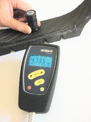 Reifenmessungen: Wie dick ist die  Schicht im Inneren?