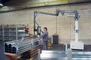 Handhabungsgrät Posimat PB 160: Handhabungsgerät für den Umschlag langer Paletten und Dachrinnen