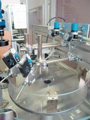 Prüfmaschine PQM 600: Prüfmaschine: Auf dem Glasteller serviert