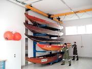 Leichtkransystem: Retter stapeln Boote hoch