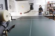 Roboter lernt Tischtennis in kürzester Zeit vom menschlichen Vorbild: Er verbessert sich selbst