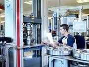 Materialprüfmaschinen: Prüfen und Kalibrieren