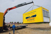 Mietcontainer: Aufbau per Kran