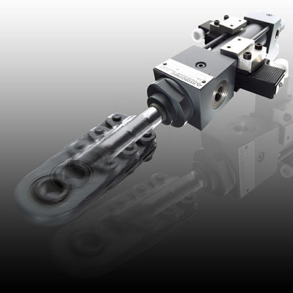 Hydraulikzylinder: Punktgenau gesteuert