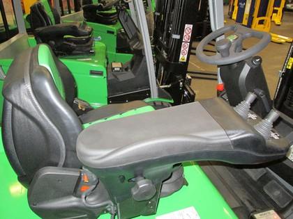 Elektro-Stapler im Crossdocking-Einsatz: Wohlfühl-Faktor für den Fahrer