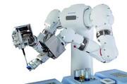 Menschenähnlicher Roboter für die Pharmaforschung: Er kann auch anders !