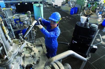 Mobiler Industriesauger: Sorgt bei Evonik für Sauberkeit