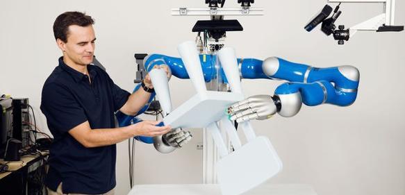 Selbstlernender Roboterarm