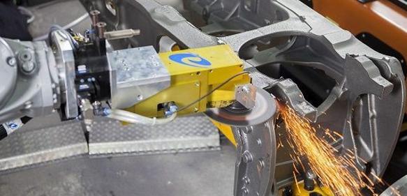 Roboter-Gussputzen