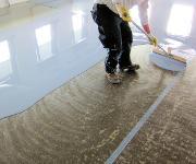 Bodenbeschichtung: Industrieböden schnell beschichten
