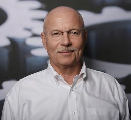 Rollstar-Geschäftsführer Ulrich Ziegler ließ in seinem Unternehmen jeden Schraubfall untersuchen, klassifizieren und absichern. (Bild: Rollstar)