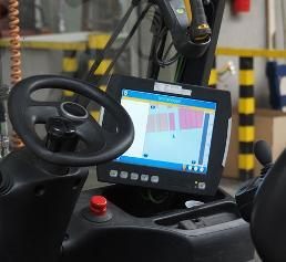Ein Staplerterminal ist Schnittstelle zum Fahrer und Navigationshilfe.