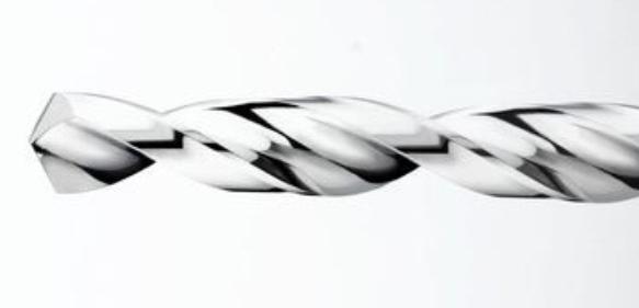 Polieren von Hartmetallwerkzeugen: Spannut auf Hochglanz polieren