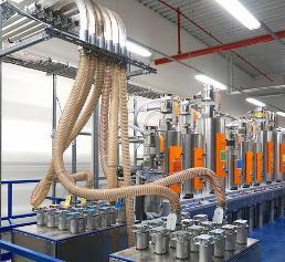 Manueller Kupplungsbahnhof zur flexiblen Versorgung der Spritzgießmaschinen