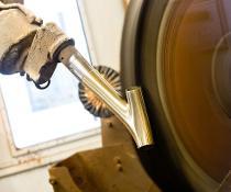 Festpasten-Polieren: Automatische Festpastenzufuhr erfolgreich im Einsatz