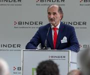 Geschäftsführer Peter Michael Binder bedankte sich auch bei der Belegschaft