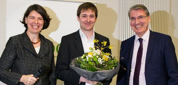 Von links: Prof. Dr. Thisbe K. Lindhorst,  David Fabry und Oliver Lautenschläger.