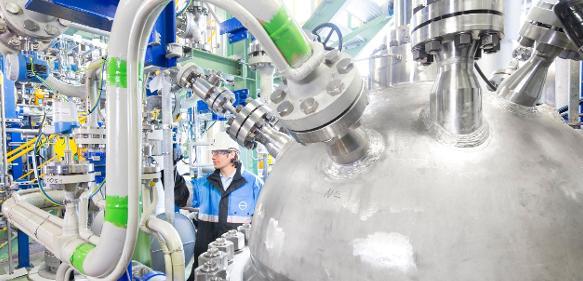 Das neue Weichschaum-Vorprodukt von Covestro enthält rund 20 % CO2.