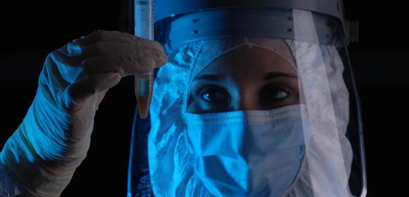 Untersuchung alter DNA im Labor: (Foto/©: AG Palaeogenetik, JGU)