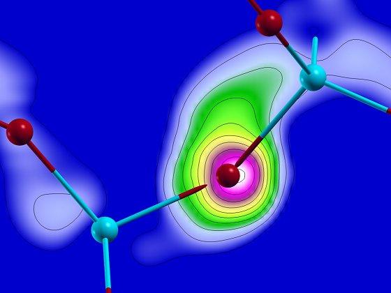 Materialeigenschaften blitzschnell  ändern: Laserpuls macht Glas zum Metall