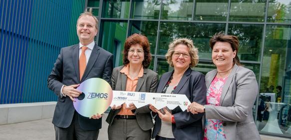 Forschungsbau Zemos eingeweiht
