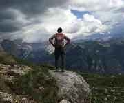 Berge sollte man nur gut ausgeruht besteigen – chronischer Schlafmangel erhöht die Risikobereitschaft.