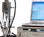 Das Der Potentiostat/Galvanostat EC301 kann mit oder ohne Computer betrieben werden.