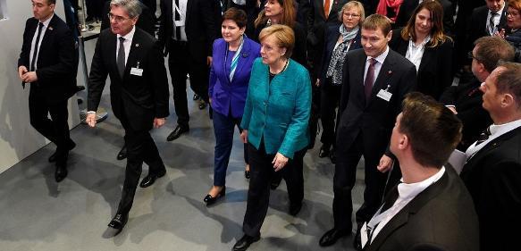 Bildergalerie: Rundgang mit der Kanzlerin über die Hannover Messe 2017