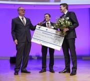 Märkte + Unternehmen: Mink Bürsten gewinnt IHK-Bildungspreis