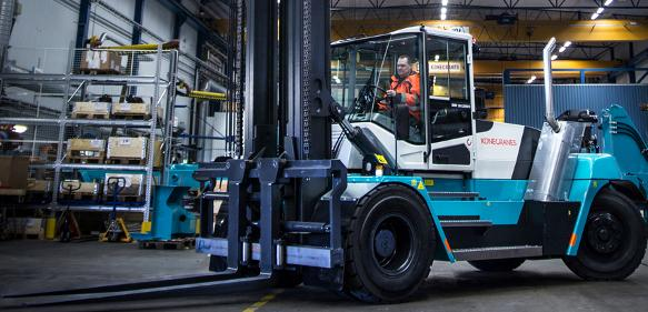 Lifttrucks in Serie: Umfassend überwacht