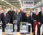Dr. Gunther Wobser (zweiter von links) und Dr. Ulf Reinhardt (erster von rechts)