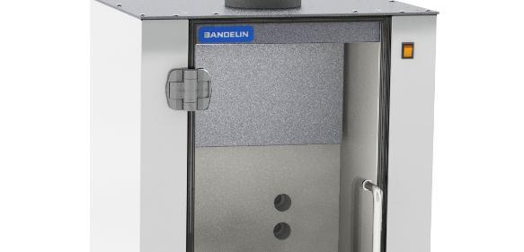 Zur Reduzierung des Geräuschpegels während der Beschallung und damit Verbesserung der Arbeitsbedingungen im Labor hat Bandelin die neue Lärmschutzbox LS 20 entwickelt.