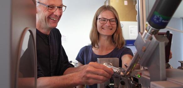 Die FAU-Wissenschaftler Prof. Dr. Yves Muller und Karin Schmidt