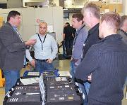 Sperger Markus präsentierte die Produkte für den Werkstattbedarf